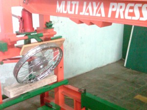 harga peralatan bengkel press motor,bisnis press motor,harga mesin press body,harga press velg motor racing,alat press body motor,alat press velg,biaya press segitiga motor,mesin press velg,harga alat bengkel motor,jual mesin press hidrolik,press velg racing motor,jual mesin press,alat pres pelek racing,mesin press manual,harga press segitiga motor,press hidrolik motor,harga mesin press velg,harga mesin press motor,harga press velg motor